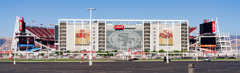 1er août 2019 Santa Clara/CA/Etats-Unis - vue panoramique de stade de Levi's, la nouvelle maison des San Francisco 49ers établie  photo stock
