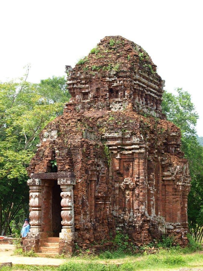 Er Gebäude MEINES Rituals DES SOHN-alten HINDUISMUS und des BUDDHISMUS religiösen stockfoto