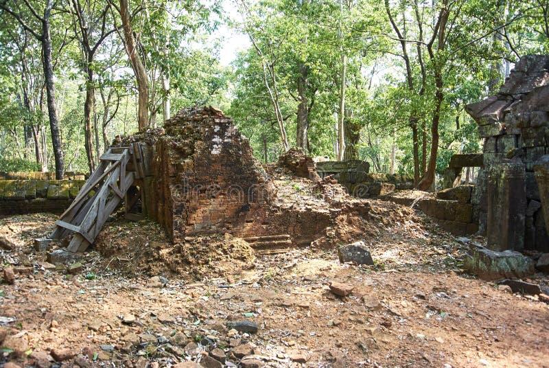 Era di Angkor del tempio della screpolatura di Prasat Kra fotografie stock libere da diritti
