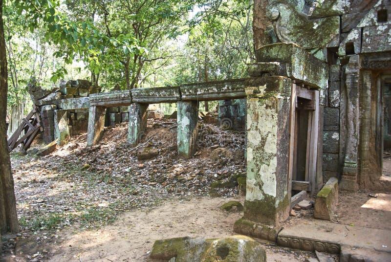 Era di Angkor del tempio della screpolatura di Prasat Kra immagine stock