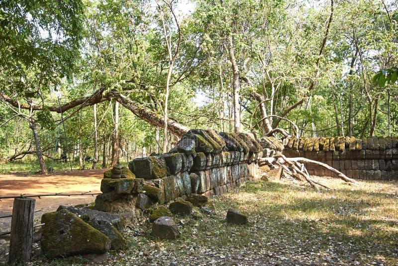 Era di Angkor del tempio della screpolatura di Prasat Kra fotografia stock libera da diritti