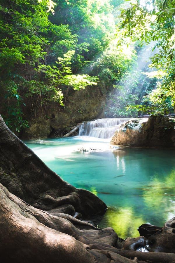 Erawan vattenfall, nationalpark, Kanchanaburi, Thailand royaltyfri fotografi