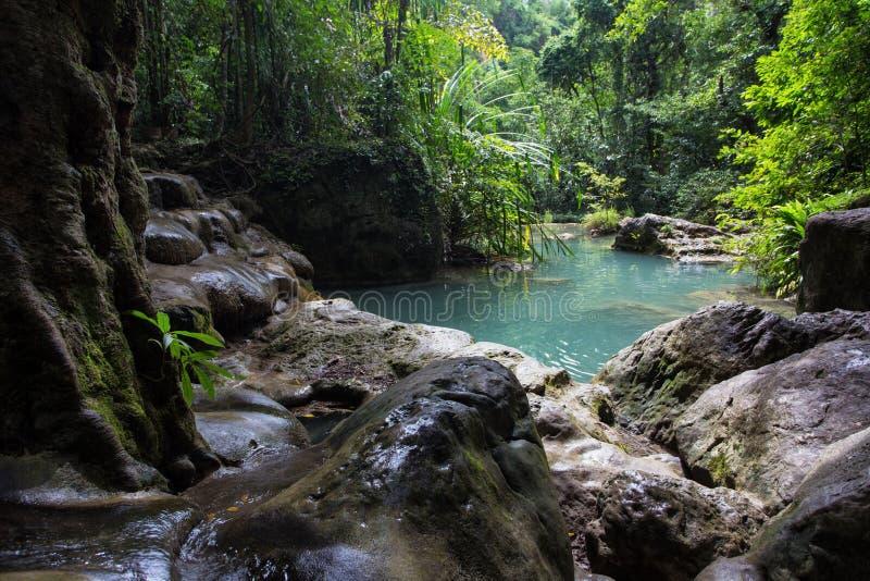 Erawan-Wasserfallteich stockfotos