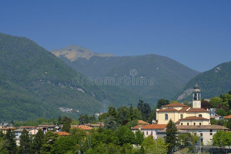 Erba Como, Italia: paisaje imagenes de archivo