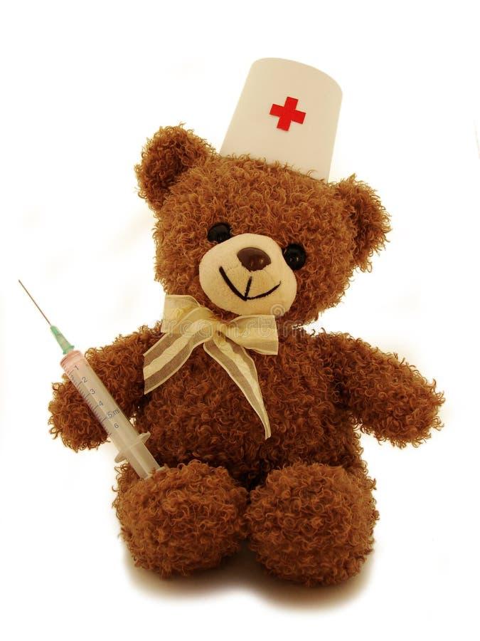 Erba medica dell'orso dell'orsacchiotto fotografia stock libera da diritti