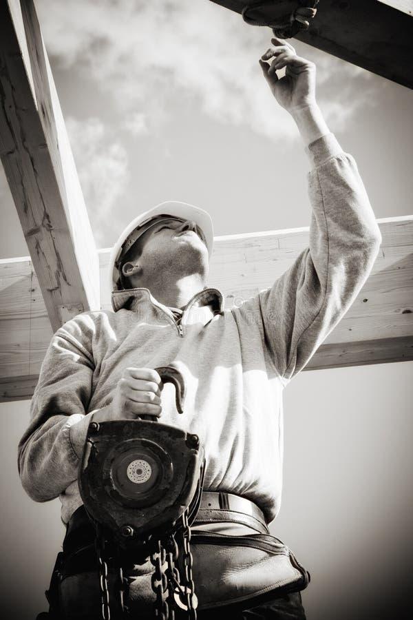 Erbauer mit Handkurbel lizenzfreies stockfoto