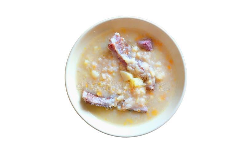 Erbsensuppe mit geräuchertem Fleisch lizenzfreie stockbilder