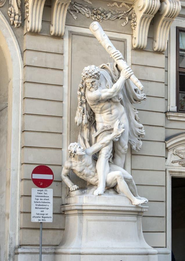 Ercole che uccide Antaeus, palazzo di Hofburg, Vienna, Austria fotografia stock libera da diritti