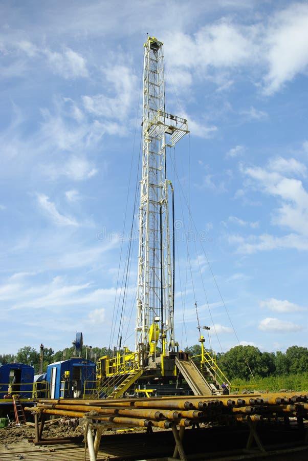 Erdölbohrung-Anlage stockbild