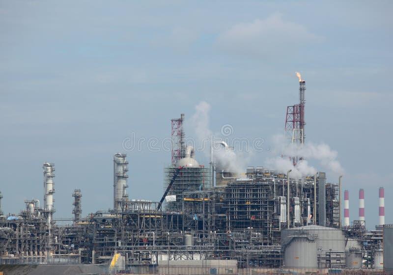 Erdölraffinerieanlage lizenzfreies stockbild