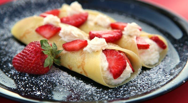 Erdbeere-Krepps stockbilder