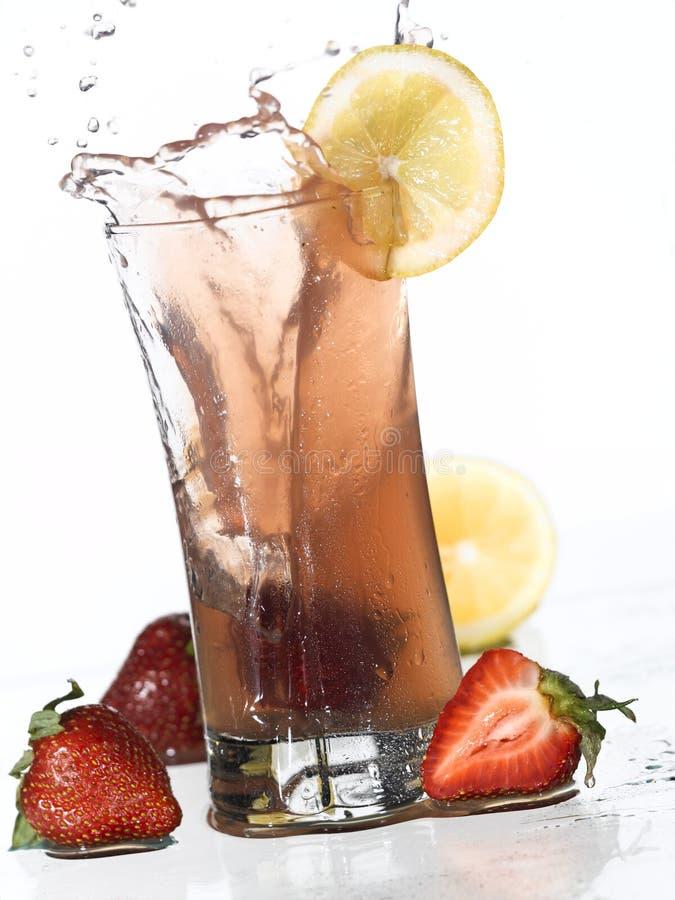 Erdbeere-Limonade-Spritzen lizenzfreies stockbild