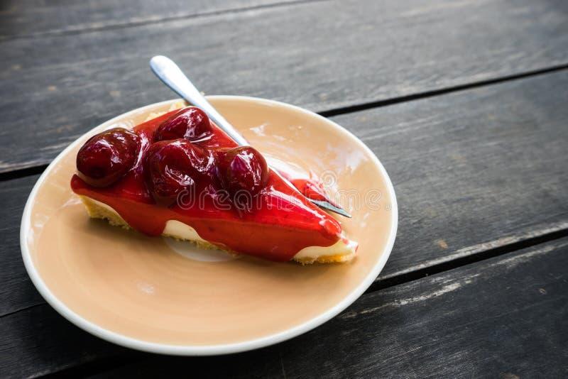 Erdbeerkäsekuchen lizenzfreie stockfotografie