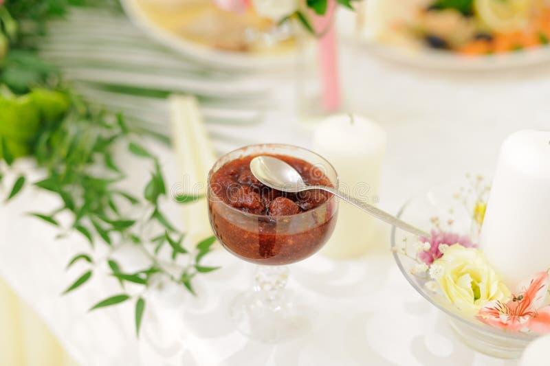 Erdbeermarmelade lizenzfreies stockfoto
