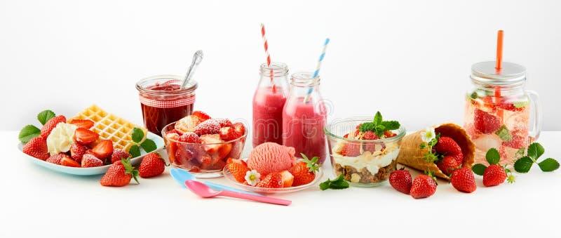 Erdbeerthemenorientiertes Panorama von Rezepten der frischen Frucht lizenzfreie stockbilder