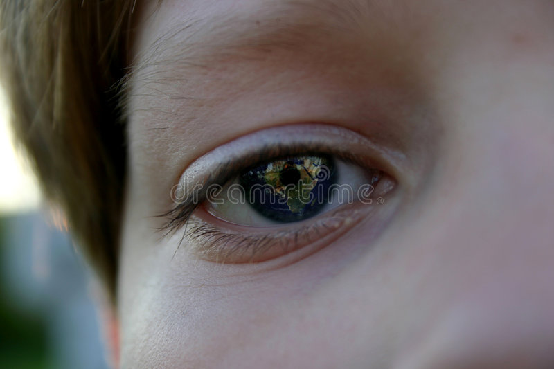 Download Erde in seinen Augen stockfoto. Bild von leuchte, nachrichten - 36688