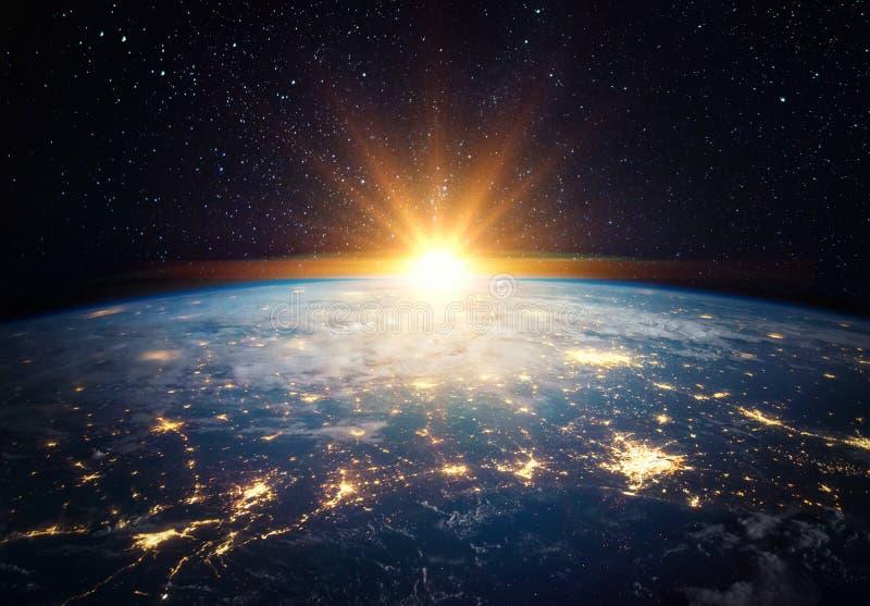 Erde, Sonne, Sterne und Galaxie Elemente dieses von der NASA bereitgestellten Bildes stockfotos
