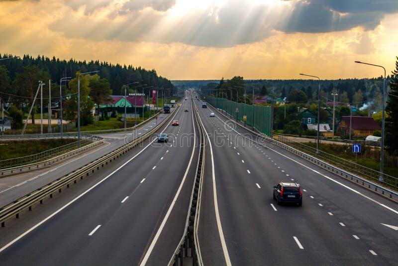 """Erdenievo, Россия - сентябрь 2018: Федеральное шоссе M-3 """"Украина """" стоковые изображения"""