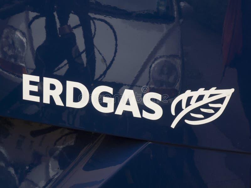 Erdgasembleem op een auto royalty-vrije stock foto