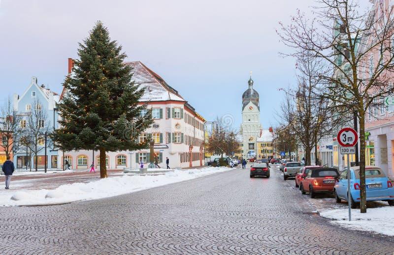 Erding, Alemanha, a torre bonita Schöner Turm Inverno imagens de stock royalty free