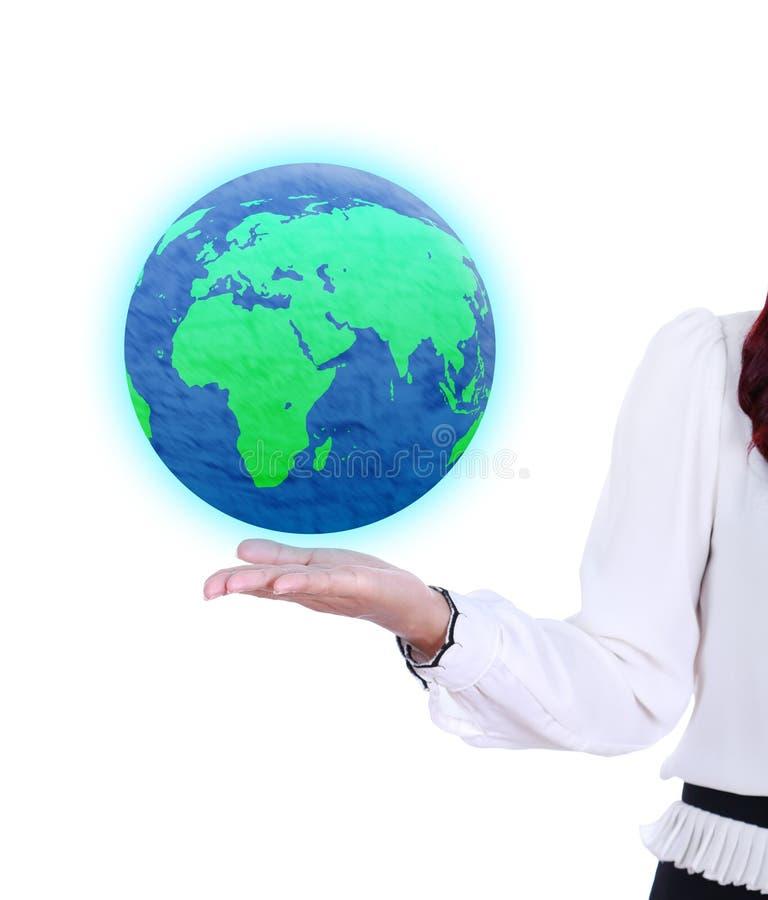 Erdkugel in der Geschäftsfrauhand stockbild