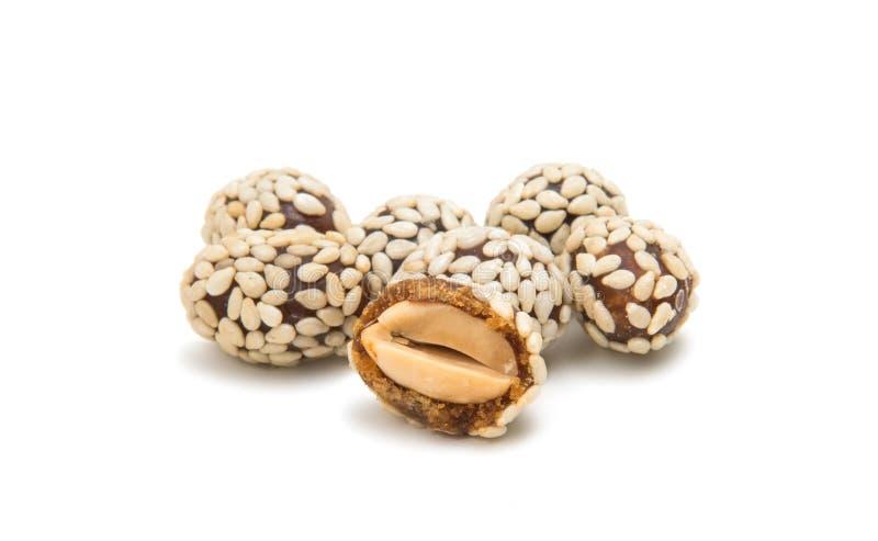 Erdnüsse in den Samen des indischen Sesams lizenzfreie stockfotos