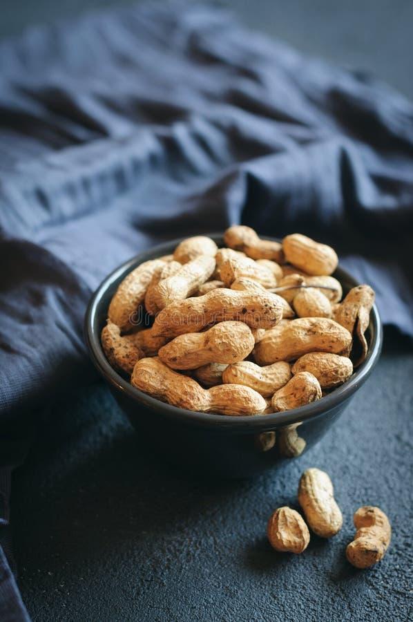 Erdnüsse im Shell stockfotos