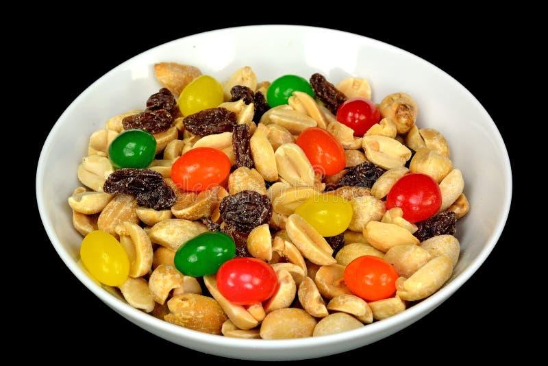 Erdnüsse, Rosinen und Geleebonbons lizenzfreie stockfotos