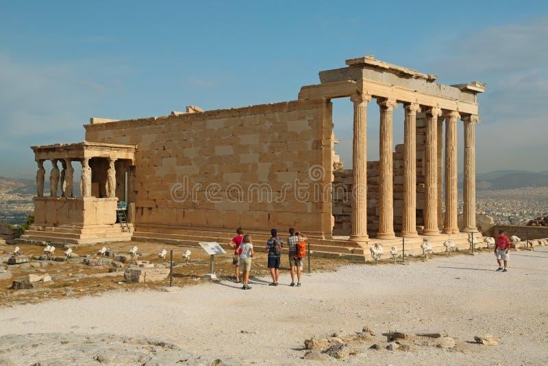Erechtheion - античный висок в афинском акрополе, Греции стоковые фото