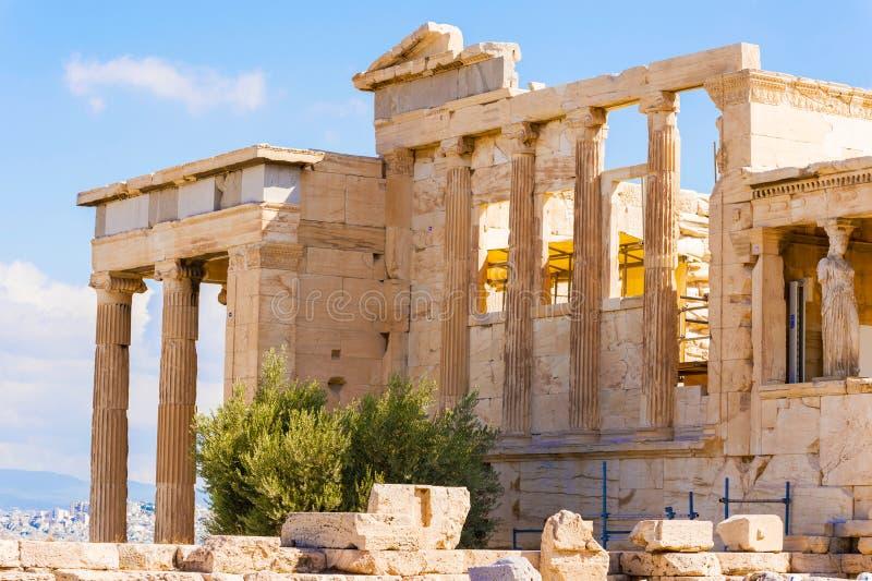 Erechtheion świątynia na akropolu wzgórzu, Ateny Grecja obraz stock