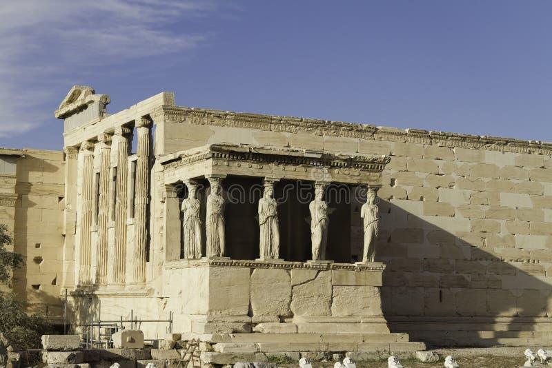 erechtheum Греция caryatids athens акрополя стоковые фотографии rf