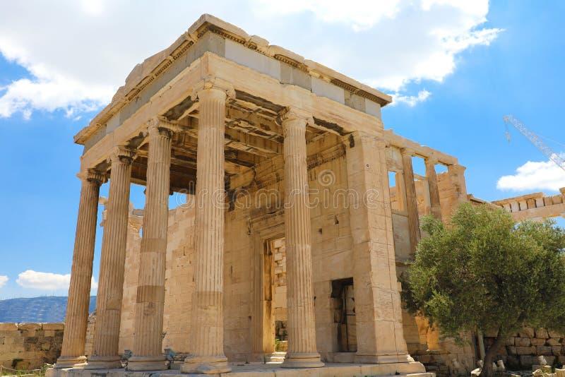 Erechtheum-Tempelruinen auf der Akropolise an einem Sommertag in Athen, Griechenland stockbilder