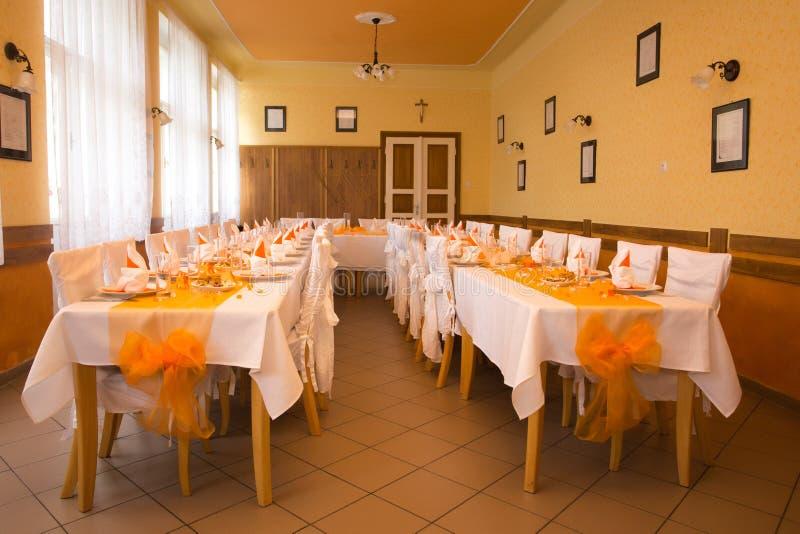 Ereignis-, Partei- oder Hochzeitsballsaal lizenzfreie stockfotografie