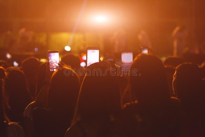 Ereignisleutelive - video-Festivalmusikkonzert lizenzfreies stockbild