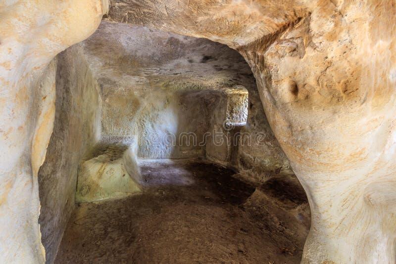 Eremitério da caverna de Alunis, Romênia imagens de stock