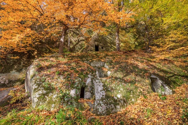 Eremitério da caverna de Alunis, Romênia fotos de stock royalty free
