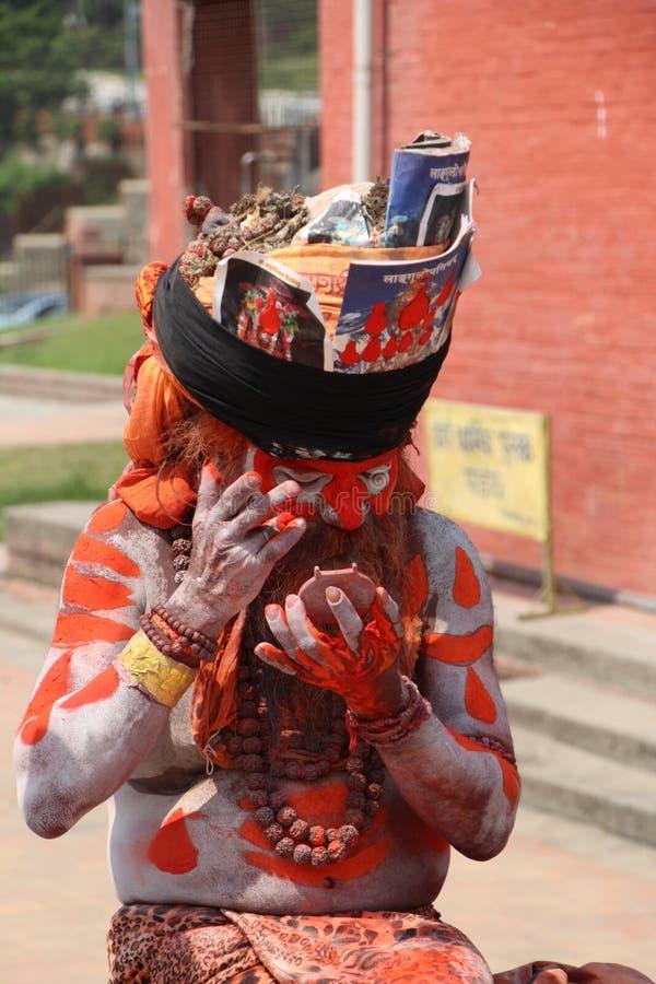 Eremita no templo de Pasupatinath imagem de stock