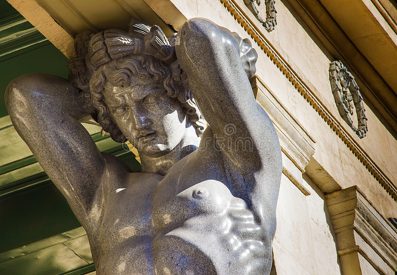 Eremitbonings Atlant i den St Petersburg staden royaltyfri fotografi