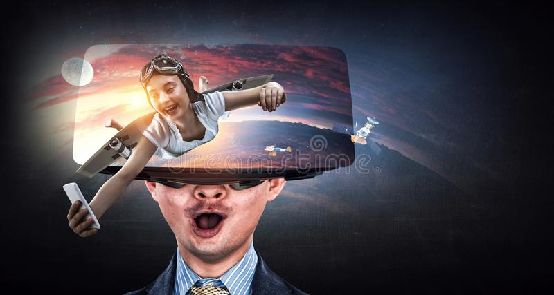 Erfahrung der virtuellen Realit?t Technologien der Zukunft stockfotos