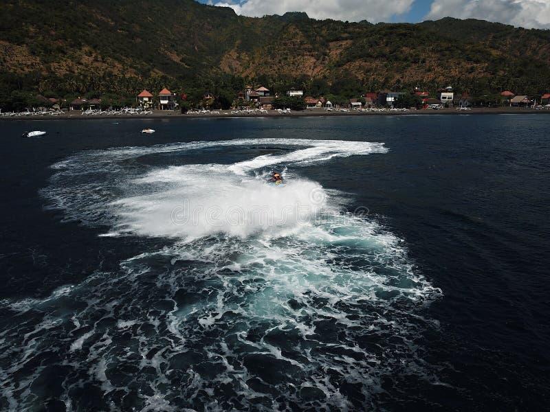 Erfarenhet med hastighet på havet arkivbild