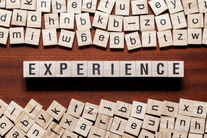Erfarenhetsordbegrepp p? kuber arkivfoton