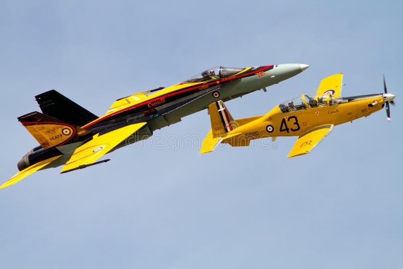Erfenisvlucht cf.-18 Horzel en ct-156 Harvard stock afbeeldingen
