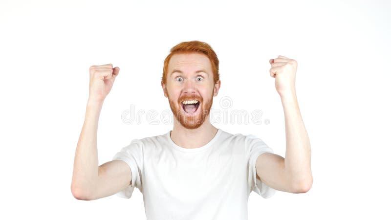 Erfolg, erfolgreiche Geste durch roten Haar-Mann, weißer Hintergrund stockfoto