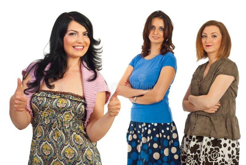 Erfolgreiche beiläufige Frauenfreundschaft stockbilder