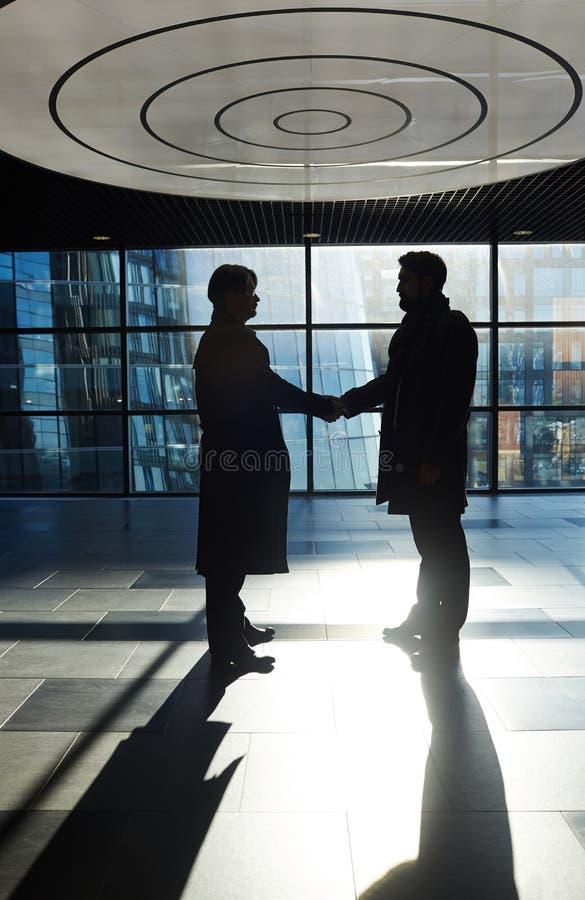 Erfolgreiche Fertigstellung von Verhandlungen lizenzfreies stockfoto