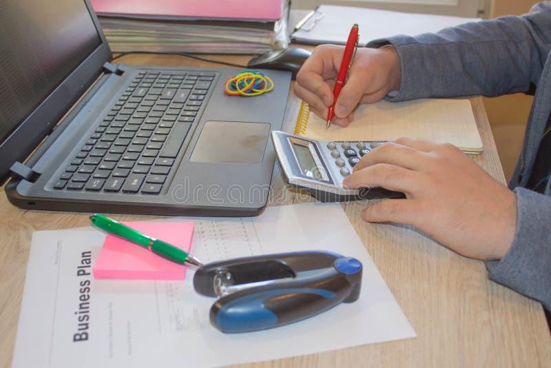 Erfolgreicher Unternehmensplan, Ideen Geschäftsantragprobe Schaffung eines Unternehmensplans stockfoto