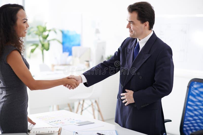 Erfolgreiches Abkommen stockbild