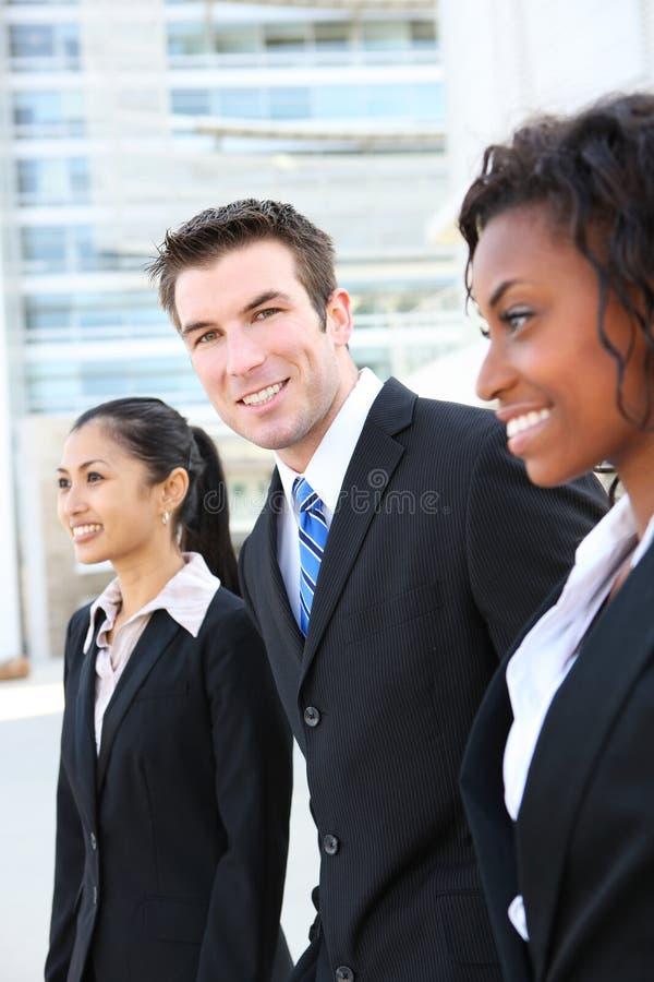 Erfolgreiches verschiedenes Geschäfts-Team stockbild