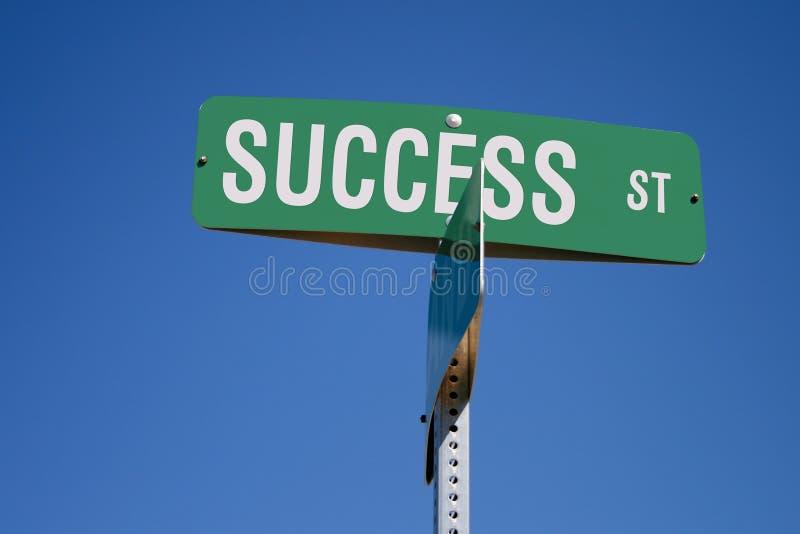 Erfolgs-Straßenschild lizenzfreies stockfoto