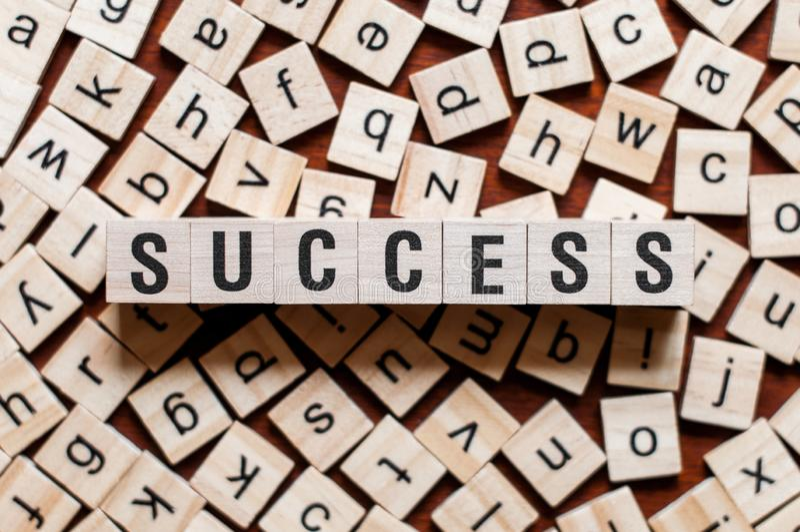 Erfolgswortkonzept stockfotos